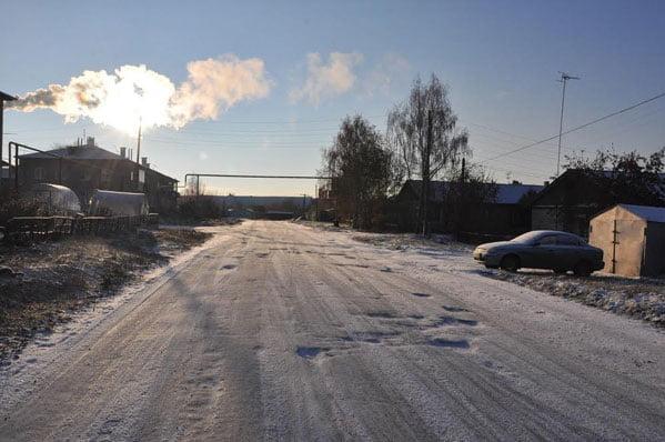 Кто ремонтирует дорогу в снег? Идиоты из Верхнеуральска!