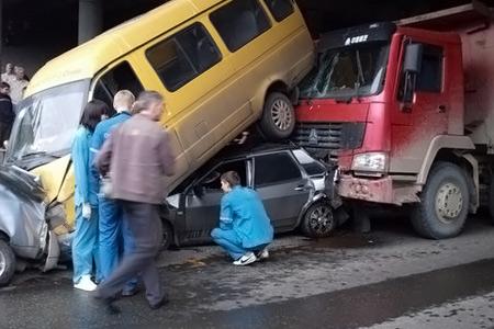 Опасные дороги Южного Урала: Регион оказался в конце рейтинга по дорожной безопасности