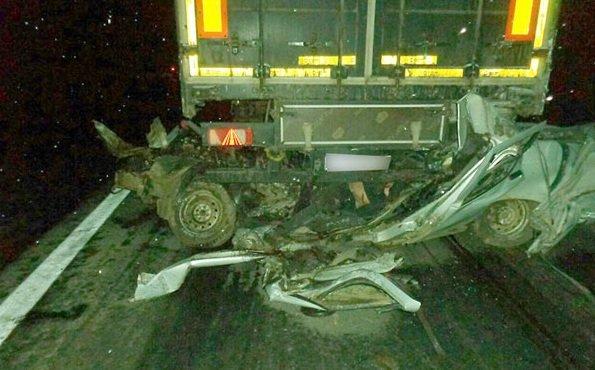 Очередной кошмар на южноуральских дорогах: КамАЗ раздавил ВАЗ, «Газель» врезалась в фуру