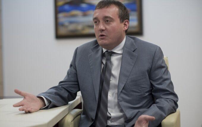 Адвокат Колесникова считает кандидата «царем и богом»