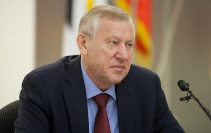 Во время голосования мэра Челябинска упал герб: Говорят, это к отставке…