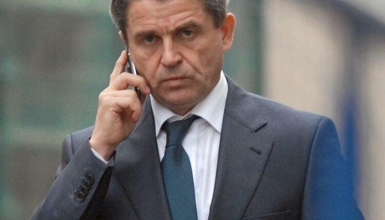 Почему уходит с поста Владимир Маркин, если он мог бы работать ещё пять лет?