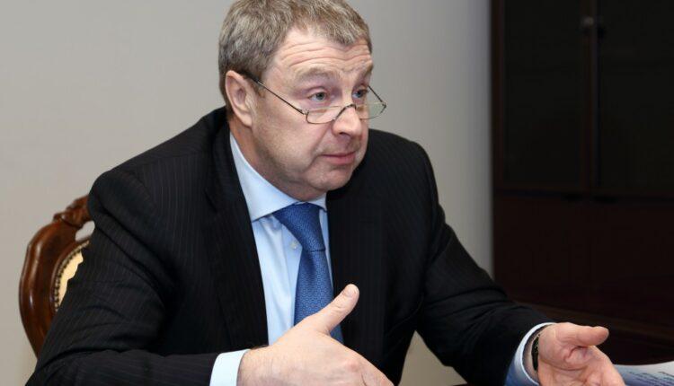 Бахметьев уходит в отставку