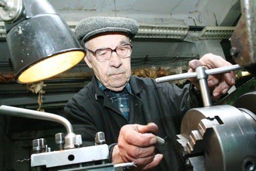 Идея лишить пенсии работающих пенсионеров снова на повестке дня