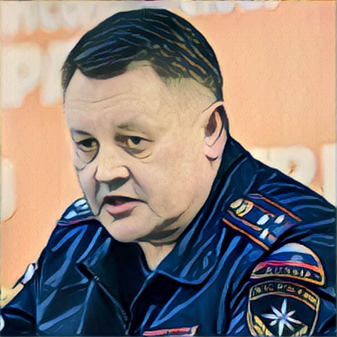 1475031377_ustinov