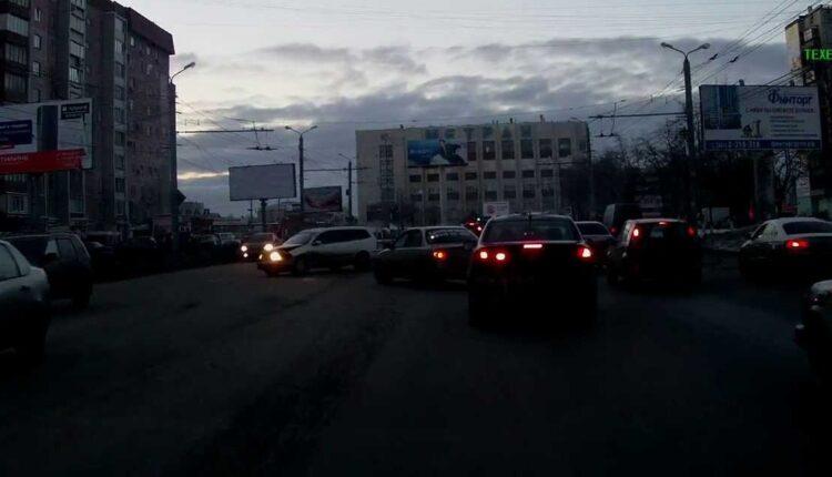 Крупное ДТП в Челябинске: Шесть автомашин повредил один пьяный водитель