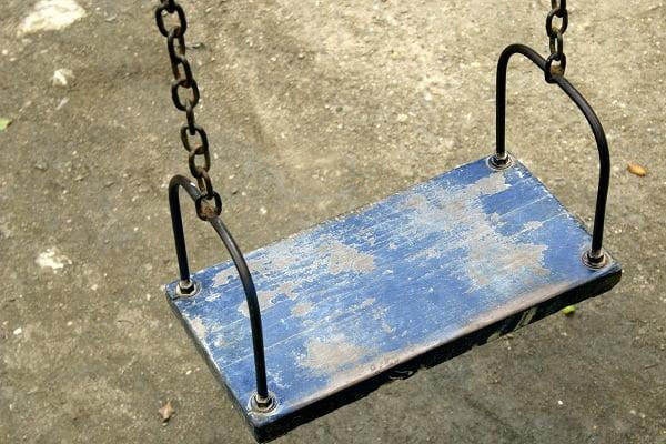 Детская площадка в Уйске, на которой случилось ЧП, будет демонтирована