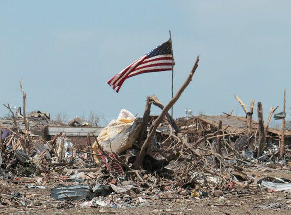 «Вы будете мертвы. Все вы. Вам не выжить. И ваши дети тоже умрут», — сообщило телевидение США, комментируя жуткий ураган Мэтью
