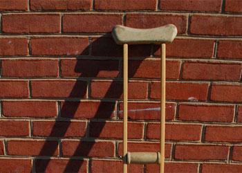 77-летний дедушка на костылях зарезал супротивника