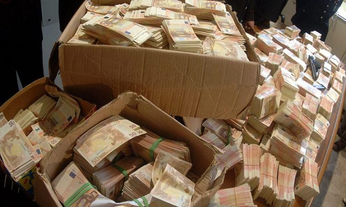 Из дела Захарченко под шумок стащили $5 миллионов