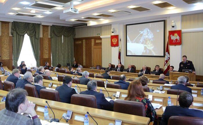 Депутатская семёрка: Кого двинули в челябинский облизбирком, несмотря  на выборные скандалы?