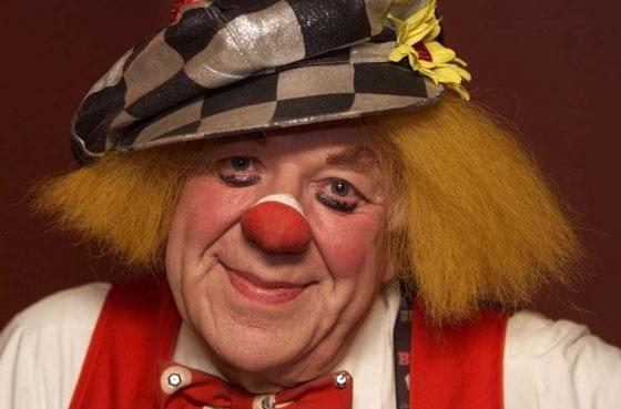 Солнечный клоун Олег Попов закончил свой путь на гастролях
