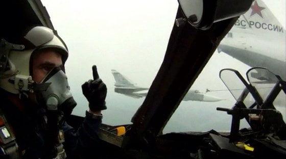 Натовские пилоты обижаются на «факи» российских лётчиков