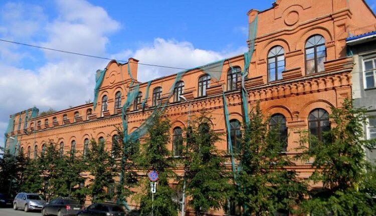 Чаеразвеска Кузнецова-Губкина: преступники не найдены, памятник погибает