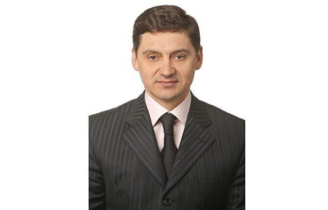 «Ворон ворону глаз не выклюет»: Депутаты поддержали Фырнина вопреки требованию прокуратуры