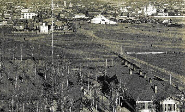 Площадь Революции как краткая история Челябинска ХХ века