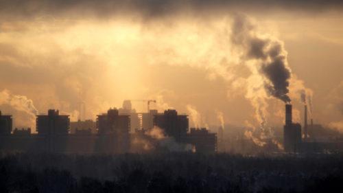 Смердящий запах будет стоять в Челябинске до вторника