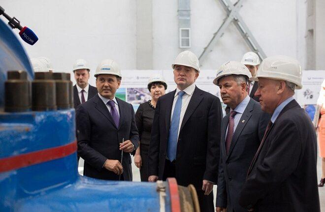 Челябинская область беднеет, но единороссы хвалят Дубровского: Экономические итоги 2016 года
