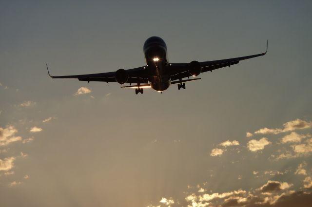 Пассажирский самолет из Дубая внезапно сел в Челябинске вместо Екатеринбурга