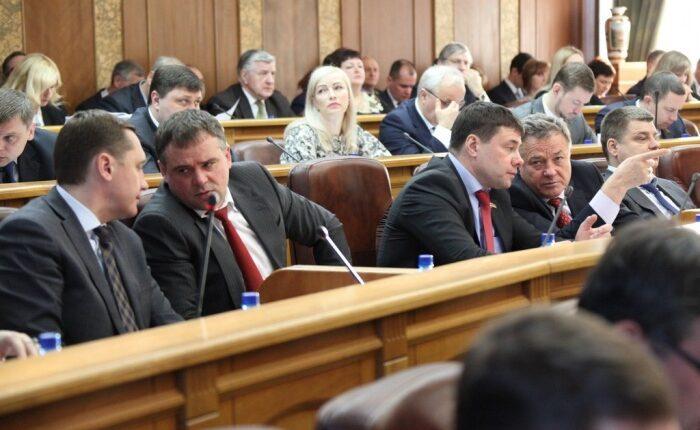 Южноуральские депутаты «попиарятся» на 4,4 млн рублей. За счёт налогоплательщиков!