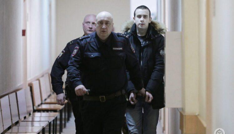 Обвиняемый в убийстве дочери экс-директора ЧТЗ мгновенно стал хромым