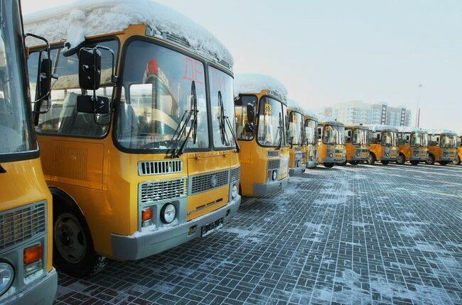 Опасная дорога в школу: Как возят детей в Челябинской области