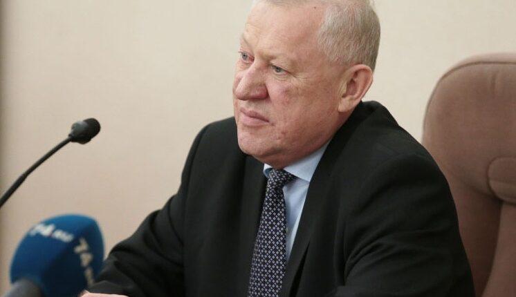 Евгений Тефтелев предложил любить не только женщин