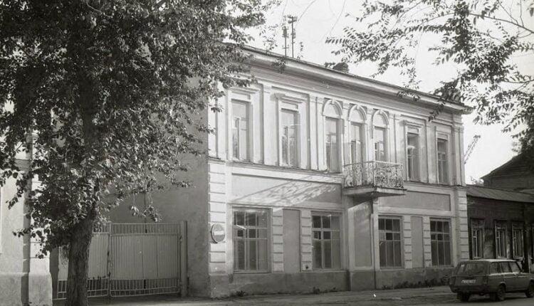 Субботние прогулки по улицам Челябинска: улица Карла Маркса, часть вторая