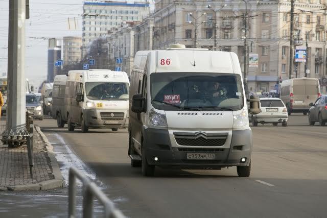 Глава Челябинска Тефтелев делает вид, что борется с маршрутчиками