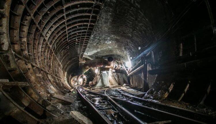 Губернатор Борис Дубровский неожиданно решил достроить метро
