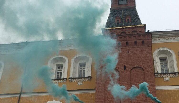 Кремль заволокло дымом. ФСО бездельничала