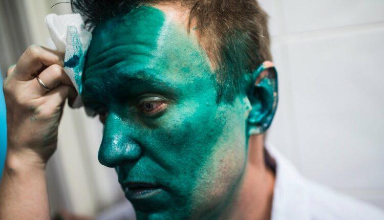 На You Tube появилось видео нападения на Навального