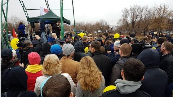 Навальный опоздал на митинг