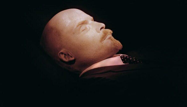 Зюганов требует оставить мумию Ленина в покое