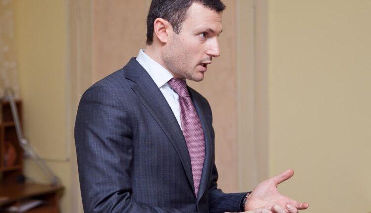 Челябинский депутат Илья Мительман на грани банкротства