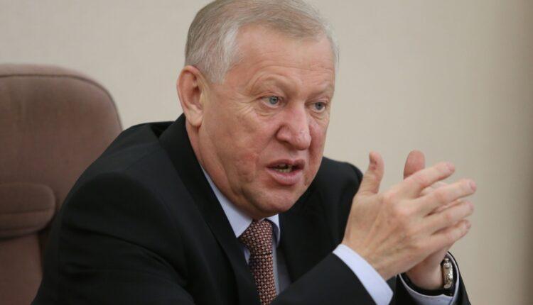 Челябинская мэрия работает без торгов