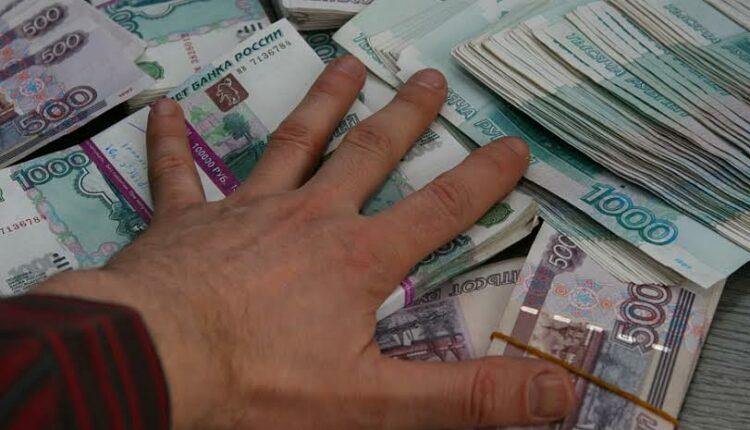 Южноуральский депутат получил 3 года колонии за мошенничество