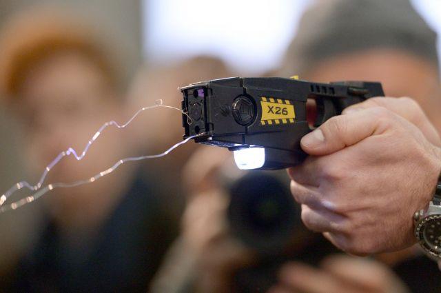 Сотрудников транспортной безопасности вооружат электрошокерами