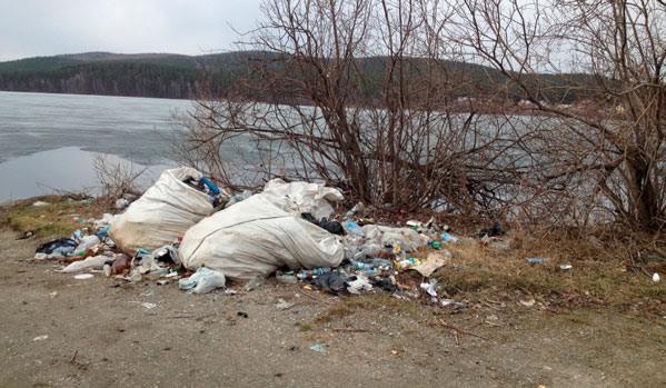 Южный Урал продолжает тонуть в мусоре