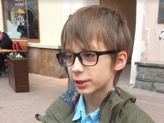 Скандал вокруг мальчика, задержанного полицией на Арбате, набирает обороты