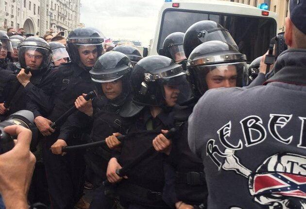 В Москве усиления. У полиции жаркий день. ВИДЕО
