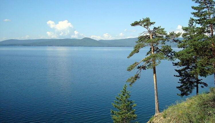 Уральцы попросили Президента спасти озеро Тургояк от чиновников