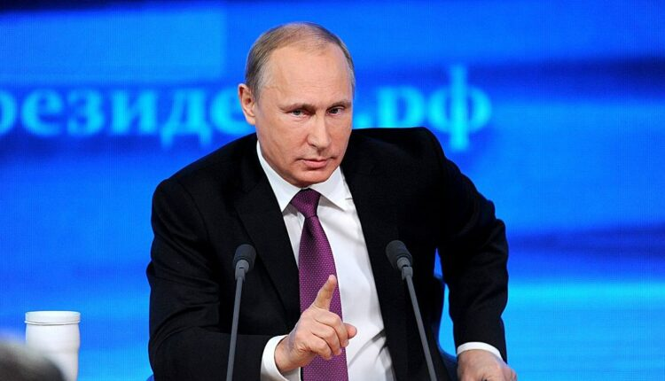 2 миллиона вопросов президенту: началась прямая линия с Владимиром Путиным