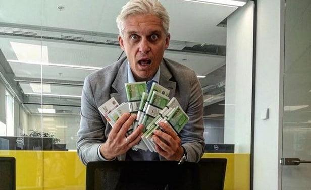 Банкир Тиньков обещает покрыть кредиты «небыдлу», удалившему Telegram. Но кое-чего не договаривает