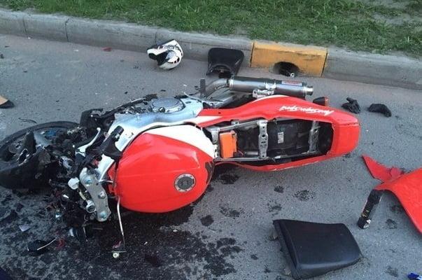 В Челябинске ищут мотоциклиста, убившего своего пассажира