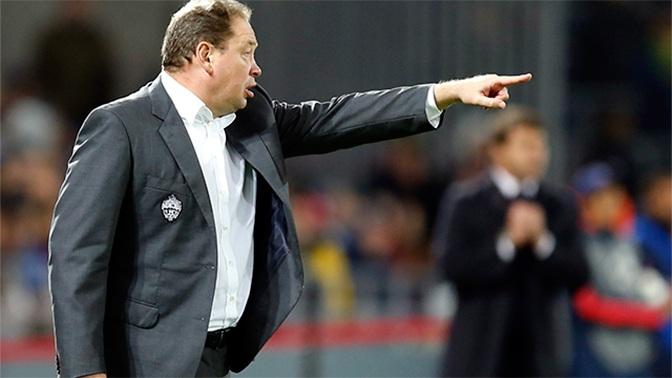 «Главный футболист» Слуцкий убежал из России в Англию