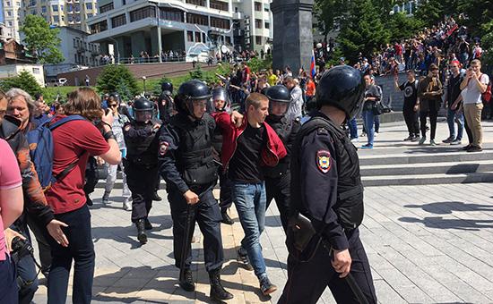 На митингах 12 июня начались задержания
