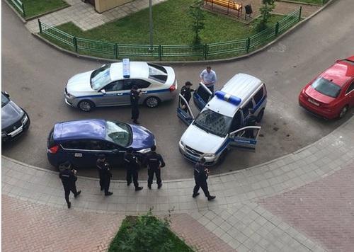 Навального задержали прямо в подъезде