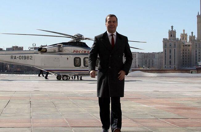 Дмитрий Медведев – снова в центре скандала. Ну любит премьер жить со вкусом!