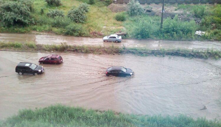 Челябинский потоп: машины тонут и глохнут. ФОТО